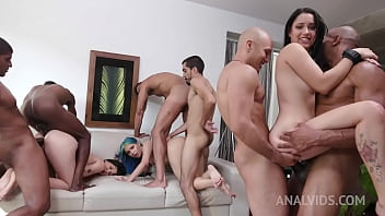 Min Galilea ,Lia Ponce and Yenifer CHP assfucked together in hot 6on3 Orgy YE110 94秒
