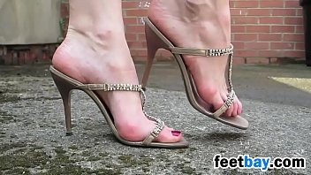 Heel high in nude - Walking outdoors in sexy high heels