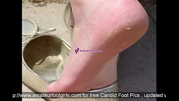Shoeplay Dipping Candid Feet Sweaty Feet Publicfeet slip out of flats shoes