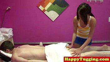 Real jap masseuse tugging customers dick Vorschaubild