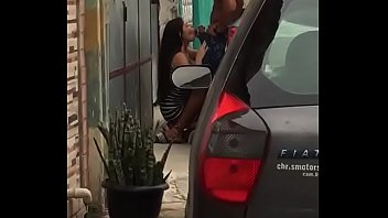 Flagrada mamando na rua 12秒