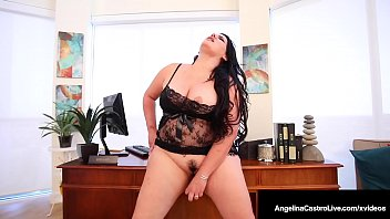 Plump Pussy Angelina Castro Stuffs Her Curvy Cunt In Office! 8分钟