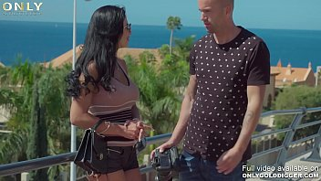 Only3x (GoldDigger) brings you - Slapping cock into gold digger Shalina Devine`s shaved snatch