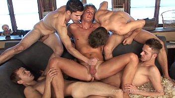 ชักว่าวกลุ่มหนุ่มเกย์มาแก้ผ้า เล่นปิงปอง กันก่อนสวิงกิ้งเยด
