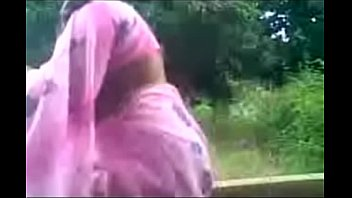 Daring Desi Aunty Sucks Uncles Cock Outside in the Park.MP4