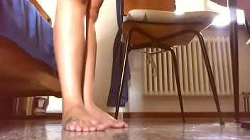Your passion for beautiful tanned feet in this video will be satisfied