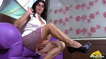 LatinChili mature latina Lucia playing porno izle