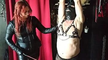 Madam Andrea a mučení otroka