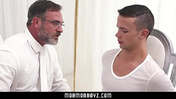 Gay and giving birth Mormonboyz - hot alpha male daddy gives submissive boy handjob