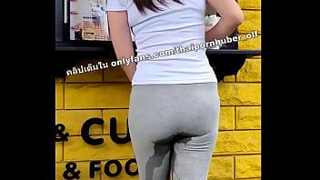 เลีย หี สาว อวบ สาวไทยเจอไข่สั่นถึงกับฉี่ราดกางเกงขณะยืนซื้อน้ำปั่น