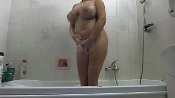 Chubby Big Boobs Slut In Bath