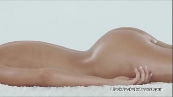 Big black cocked masseur deep in exotic client