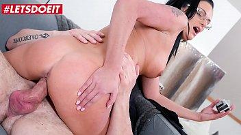 LETSDOEIT - Hardcore Photoshoot Sex With Sexy MILF Any Maax & Dyllon Day