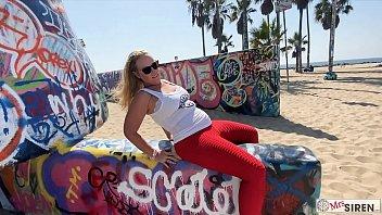 Dee and Wayne Siren Fucking on Venice Beach