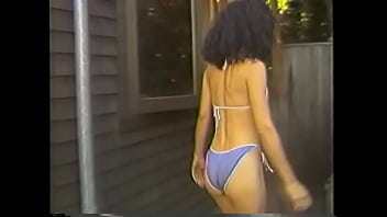 Smart brunette babe Kimberly Carson working in the bath-house proposed one of their client optional service not pointed in the priced catalogue