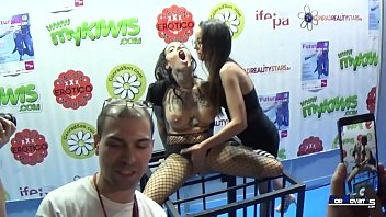 Streaming Video Pornovatas.com madre mía la que liaron Francys belle y yemaya gonzalez en futursex 2018 que buenas están!!! By victor bloom - XLXX.video