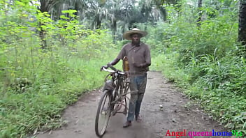 Some where in Africa ,the Yoruba house wife BBW caught fucking by the village palm wine tapper on her way to market, he convince her because of his palm wine and fucked her rough on the road side. ( part 1)FULL VIDEO ON ️XVIDEO RED  (Patricia 9ja) thumbnail