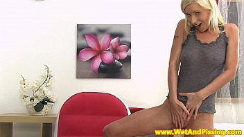Flexible watersports babe drinks her piss 7 min
