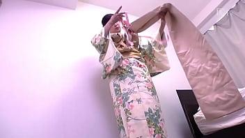 春だから上品に着物で面接に伺いました  浅井色織  2 12 min