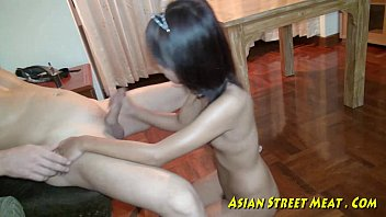 Asian Girlette Does Anal For Love Money And Health 11分钟