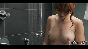 Babe rubs love tunnel craving for sex 5分钟