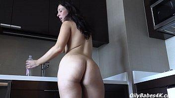 A nice handjob from sexy Kendra Lynn