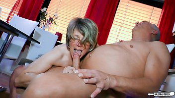 Free granny mature videos - Hausfrau ficken - zuhause doggy sex mit hausfrau oma