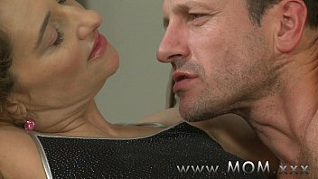 Horny housewife sex - Mom horny housewife is in the mood for fucking