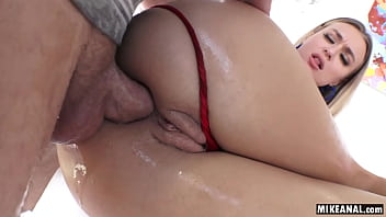 Natalia Starr gets assfucked until she gapes 6分钟