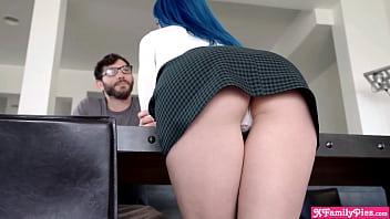 My older stepsister Jewelz Blu is so fucking amazingly hot