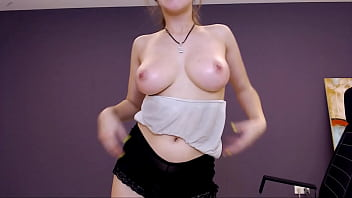 Sexy Teen Dancing Naked And Striptease 9分钟