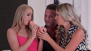 thumb Sexy Eva Parcker Teaches Christen Courtney The