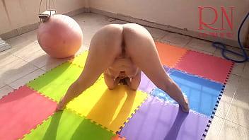 裸体瑜伽 裸体体操 裸体瑜伽 完整视频 漂亮可爱的女士在她的院子里做瑜伽。 在屋顶的裸体体操运动员。 裸体瑜伽。 一位了不起的女士张开双腿。 可爱的猫。 妓女动作灵活,露出屄。 美女爱裸体操。 你可以操这么漂亮的裸体运动员。 里贾纳·诺尔 裸体操,裸体瑜伽,瑜伽,裸体瑜伽,裸体运动,裸体运动,户外,户外裸体,双腿宽,无辜,可爱,顽皮,阴户,玩,私人,熟女,角质,娃娃,顺从,夫妇,健身球,