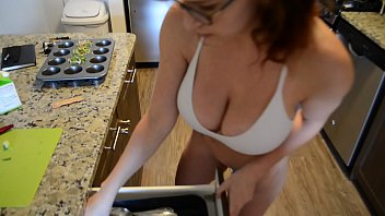 Richard Sutherland fucks MILF in kitchen