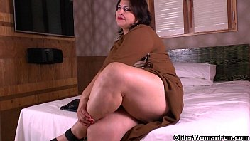 Mature latin thumbs - Latina moms get naughty in nylon pantyhose