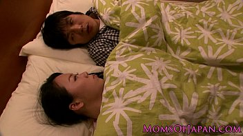 Japanese housewife titfucking her man 8分钟