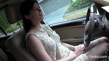 Noises to drive away teens Yanks cutie savannah sly masturbates in the car