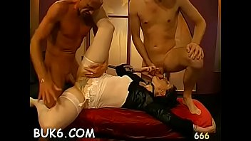 Steamy sexy blow group-sex