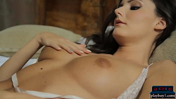 Big natural tits Playboy model Sunshine is a hot MILF