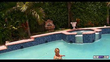 Pool Mom gets a Treat 5 min