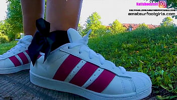 Kati´s red adidas Superstars shoeplay, dipping fishnet socks insoles stinky feet lick her shoes sweaty feet