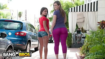 Ass booty bouncing mpeg - Bangbros - jynx maze and briella bounce bring the heat on ass parade