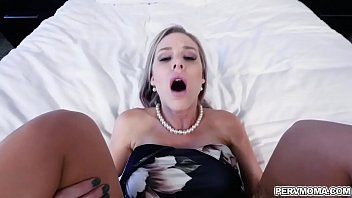Fucks herself with her heels - Stepson fucks his stepmom better than his dad ever does and climbs on her