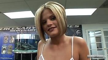 Oklahoma Girl Nikki Grind Milks BBC Lex Steele To Earn A Facial!