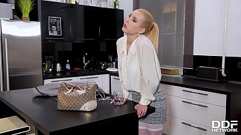Footjob and hardcore pussy fucking action with blonde bombshell Amaris 11 min