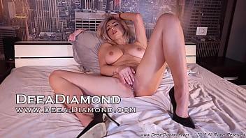 You find me Live on Deea-Diamond.com