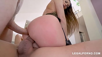 Big butt French slut Clea Gaultier double penetration fucked balls deep