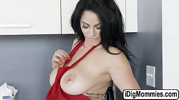 Milf Cristal And Jaye Banged By One Cock
