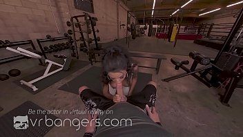 VRBangers.com-SEXY EBONY SEPTEMBER REIGN TAKE A BIG COCK AT THE GYM