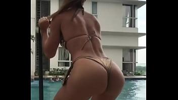 Noelia Rios increíble modelo argentina tetona culona entrenando instagram